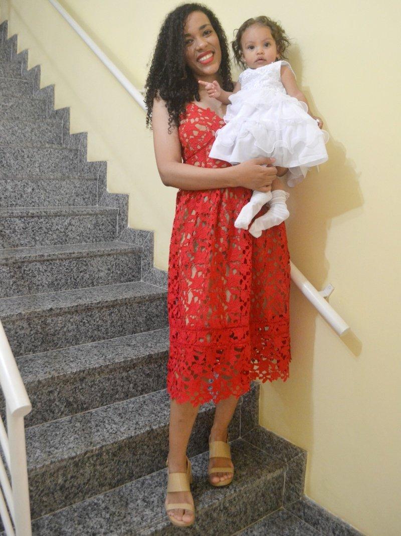 O poder do vestido vermelho, peça essencial e elegante