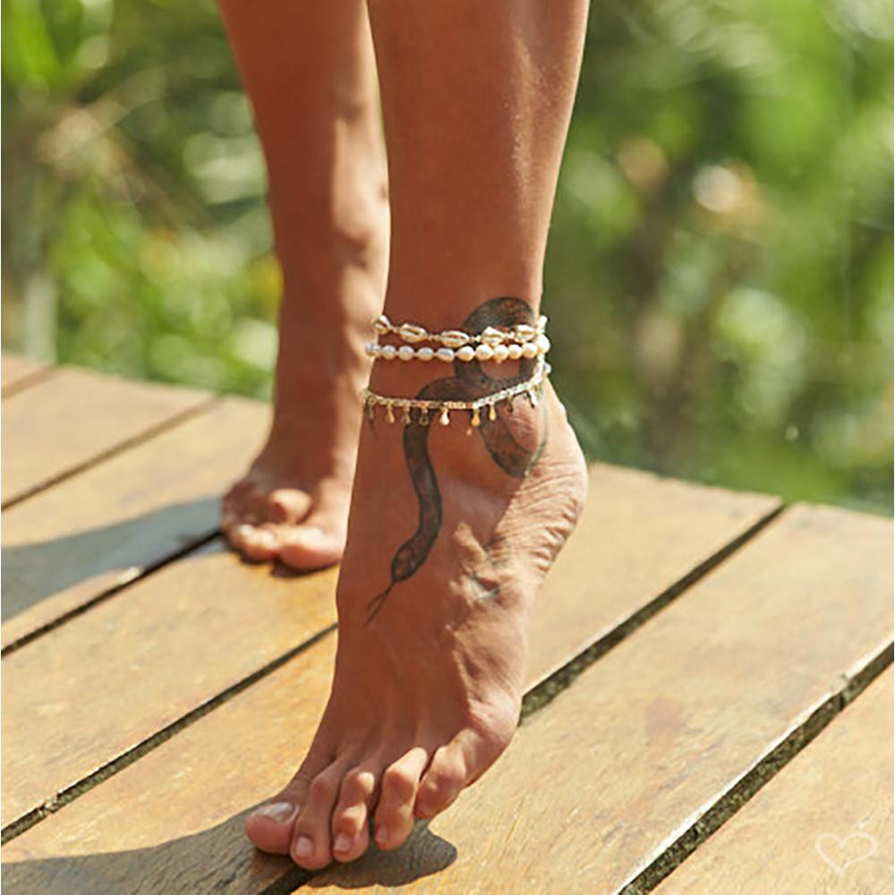Como usar tornozeleira feminina com estilo e sofisticação